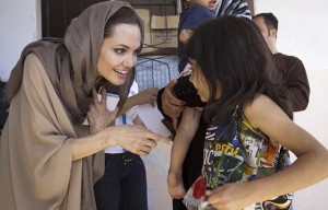 Angelina_Jolie_meets_with_Syrian_refugees_in_the_Bekaa_Valley
