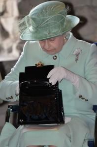 2_queen_elizabeth_launer_handbag
